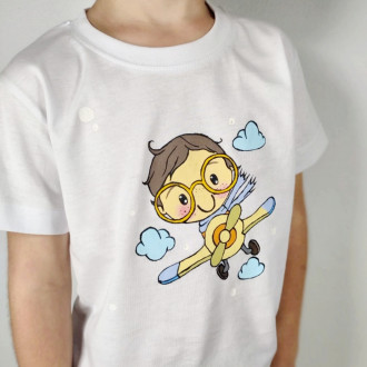 Ručne maľované detské tričko CHLAPČEK v oblakoch